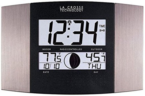 3. La Crosse Technology WS-8117U-IT-AL Atomic Wall Clock