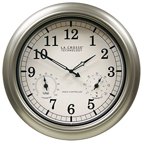 6. La Crosse Technology WT-3181PL Atomic Outdoor Clock