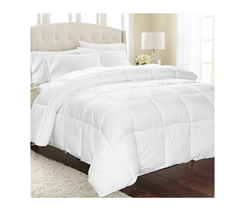 9. Equinox International White Comforter (350 GSM) – King